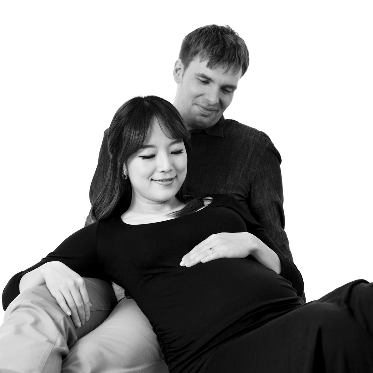 Pregnancy photoshoot Zwangerschapsfotografie Haarlem Zwangerschapsfotograaf Zwangerschapsfotografie op locatie Fotograaf Zalmiy Paeez Heemstede Haarlem Noord-Holland